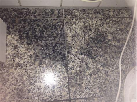 nichtoberfl 228 chliche flecken aus granit boden bekommen - Granit Dunkle Flecken
