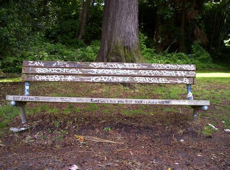 kurt cobain bench kurt cobain s memorial bench seattle washington flickr