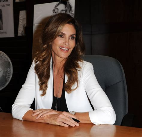 becoming cindy crawford cindy crawford becoming cindy crawford book signing in los angeles