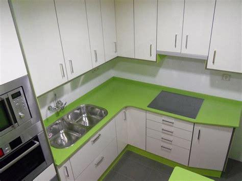 encimera verde pistacho cocina verde y blanca cocinas franc