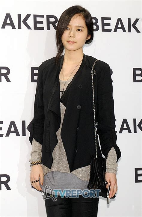 film han gan in ask k pop han ga in signs with bh entertainment becomes
