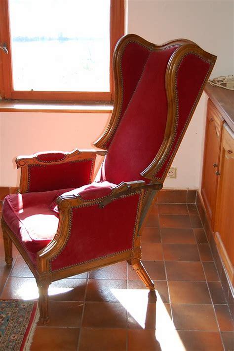 Fauteuil A Oreilles 714 fauteuil 224 oreilles en noyer massif 37 976