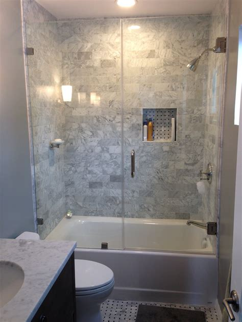 Cheap Bathroom Shower Ideas by Cheap Bathroom Tile Ideas Defilenidees
