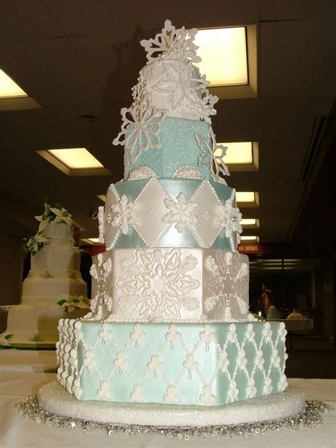 1000 images about awesome cakes winter cakes on snowflakes snowflake cake and