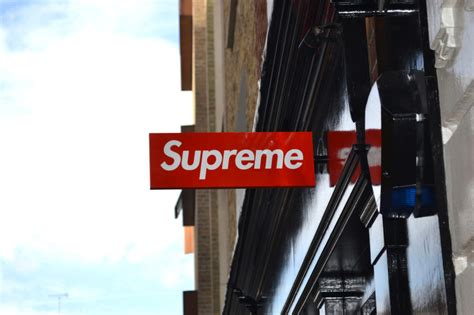 supreme europe store supreme store to open in sneakers addict