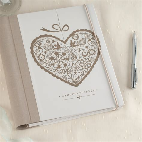 wedding planner book layout wedding planner books classy 9781454908456 p0 v1 s192x300