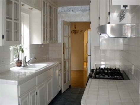 galley kitchen ideas makeovers 1000 ideas about small kitchen makeovers on