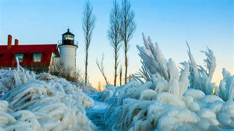 winter frozen lighthouses wallpaper