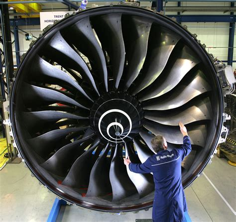 singapore airlines chooses rolls royce power for 50
