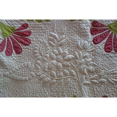Trapunto Quilt by Trapunto Applique Quilt Exquisite Initialed 1800 S 20