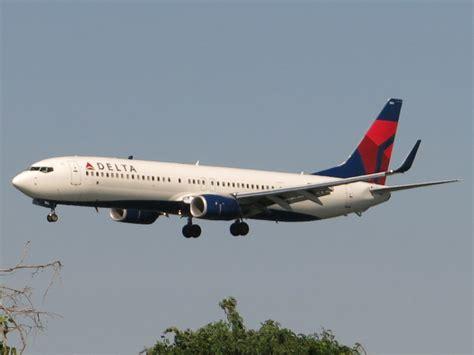 delta air lines orders 20 boeing 737 900ers air cargo week