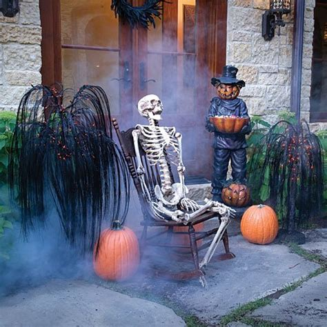 how to make scary halloween decorations at home scary halloween party decorating ideas for home creative