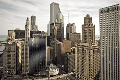 City Sheds by Chicago Illinois City Skyscrapers Buildings Wallpaper