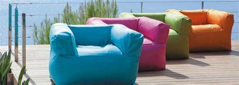 divanetti gonfiabili cuscini divano maison du monde idee per il design della casa