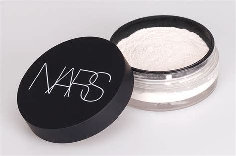 Dijamin Nars Light Reflecting Setting Powder lighter than air nars light reflecting setting