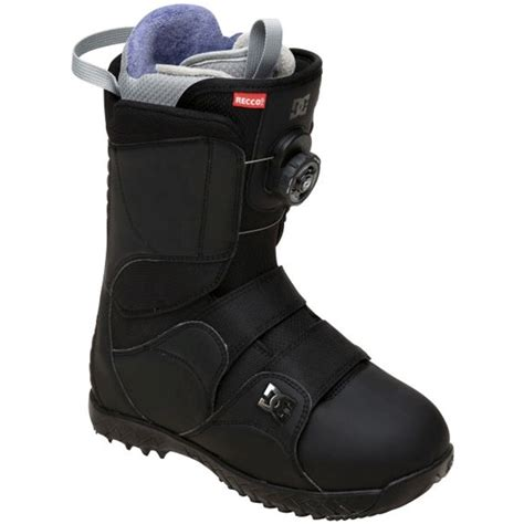 dc mora snowboard boots s 2012 evo outlet