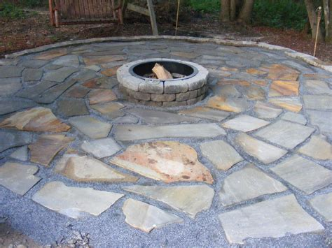 How To Install A Flagstone Patio by How To Build A Simple Retaining Wall