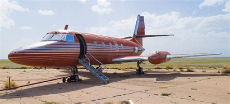 elvis plane 13 things i found on the internet today vol ccxxxvi