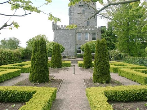 knappogue castle walled garden in limerick
