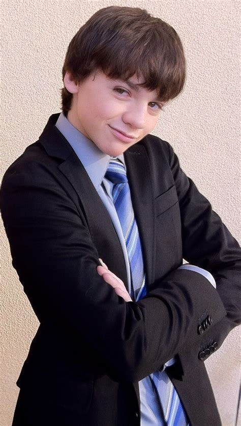 ed westwick weight height ethnicity hair color eye color joel courtney weight height ethnicity hair color eye color