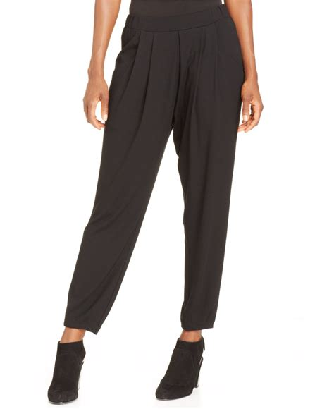 Tapered Pant pleated tapered pant so