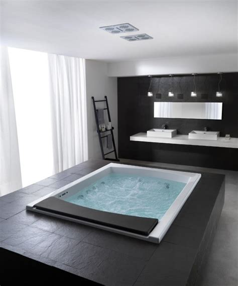 Freistehende Whirlpool Badewanne by 71 Cool Black And White Bathroom Design Ideas Digsdigs