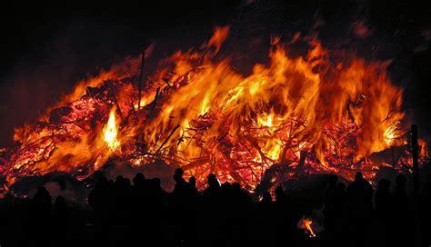 wann ist osterfeuer wann ist biikebrennen biikebrennen ist das n 228 chste mal