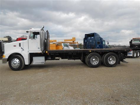 peterbilt trucks for sale used 2004 peterbilt 385 flatbed truck for sale in ms 6470