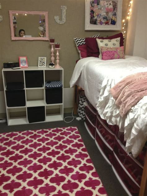 Matching Chandelier And Wall Lights 15 Amazing Dorm Room Pictures That Will Make You Excited