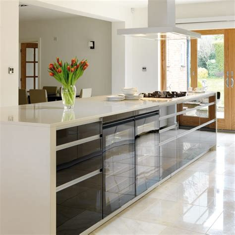 island unit      sleek contemporary kitchen housetohomecouk
