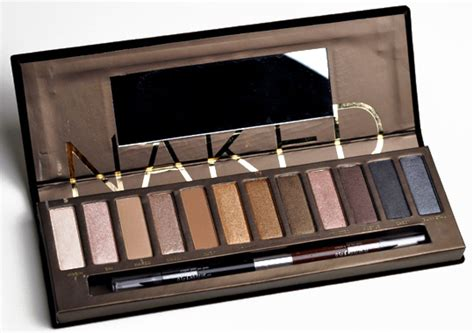 Naked4 4 Eyeshadow Decay 3 decay eyeshadow palette review photos swatches for fall 2010
