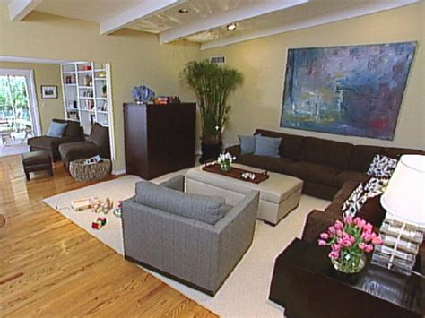 Hgtv Gives The Details On Contemporary Decor Hgtv Modern Decorating Styles