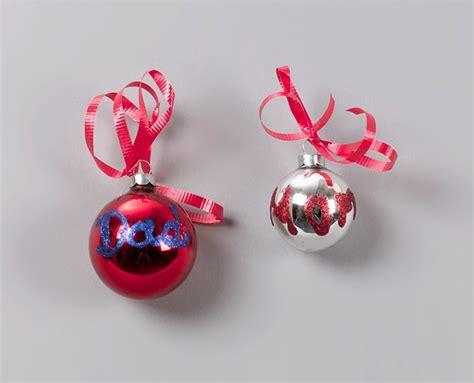 christmas sparkling ornaments craft crayola com