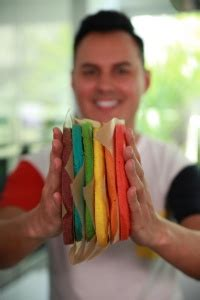 rainbow cake hervé cuisine recette du rainbow cake ou g 226 teau arc en ciel facile avec