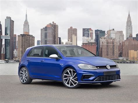 Golf R New York Auto Show by Volkswagen Rolling Out 2018 Golf Family At New York Auto
