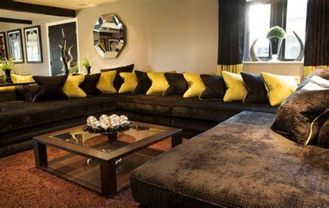como decorar sala con muebles marrones decoracion de muebles marrones con cojines www