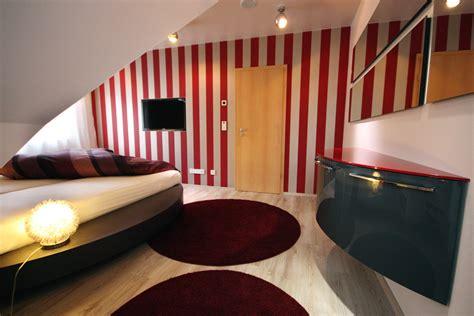 schlafzimmer gestalten emejing schlafzimmer mit dachschr 195 ƒ 194 164 ge farblich gestalten
