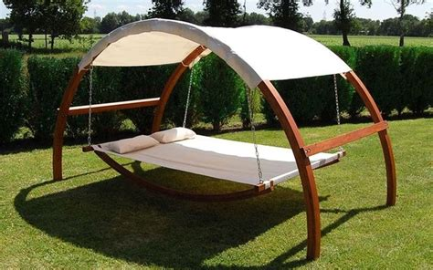 Swing Bed With Canopy Swing Bed With Canopy Turns Ordinary Garden Into Sumptuous