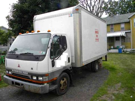 Mitsubishi Fuso 2003 Box Trucks