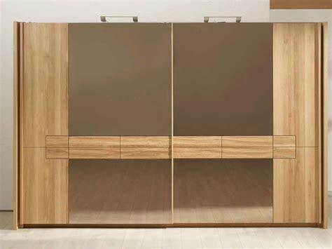 armadio legno massello armadi legno massello le essenze caratteristiche degli