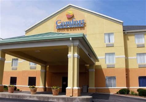 comfort suites dayton ohio comfort inn suites dayton oh day airport hotel parking