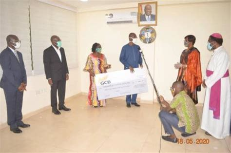 head  civil service  chief directors donate ghc   covid fund office   head