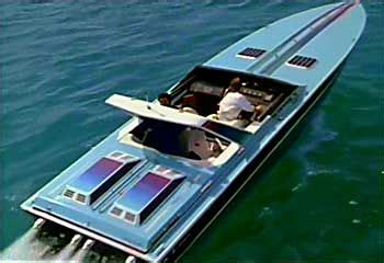 miami vice boat club crockett s 36 wellcraft scarab miami vice and the 80 s