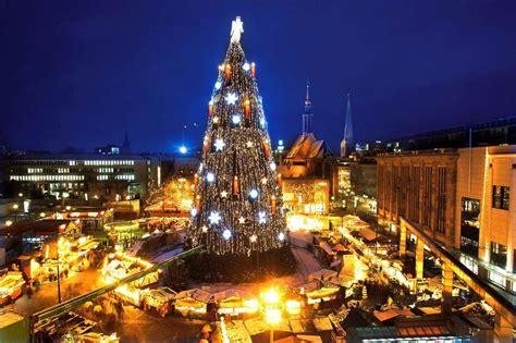 in dortmund steht der gr 246 223 te weihnachtsbaum der welt 45