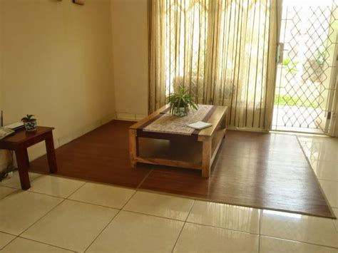 Gambar Kursi Ruang Tamu menata desain ruang tamu tanpa kursi atau sofa renovasi