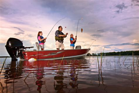 lake boats to fish fishing fish sport fishes lake river boat wallpaper