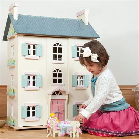 le toy van bay tree dolls house le toy van cherry tree hall doll s house little earth nest