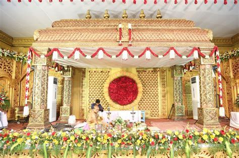 The Wedding Story Of The Spirited Gayathri And Her Sweet