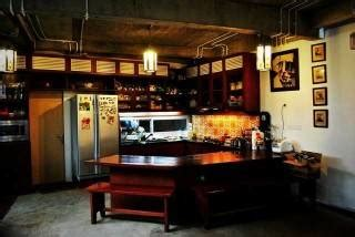photo ruang makan gaya warung rumah puzzle  kebon jeruk