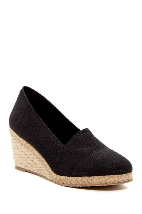 andre assous pammie wedge shoe nordstrom rack